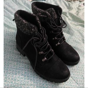 Size 9.5 women's boots